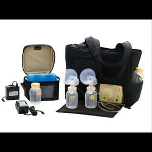 Medela bundle pump in style on the go tote + kit